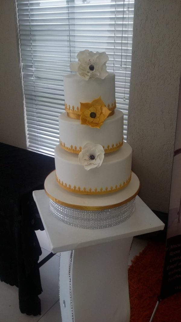 3tier Gold and White Cake